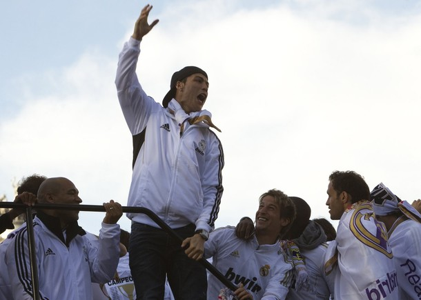 صور احتفال ريال مدريد - احتفال ريال مدريد بلقب الدوري - لاعبين ريال مدريد يحتفلون 2012