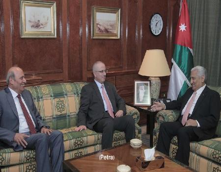 رئيس الوزراء الفلسطيني الدكتور رامي الحمد الله الاردن هو الرئة للشعب والقيادة الفلسطينية