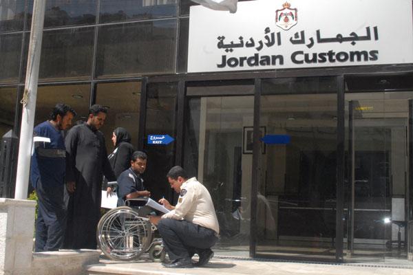 أخبار الأردن يوم اللأثنين 24 فبراير 2014 , خطأ جمركي خسّر الحكومة 3 ملايين دينار