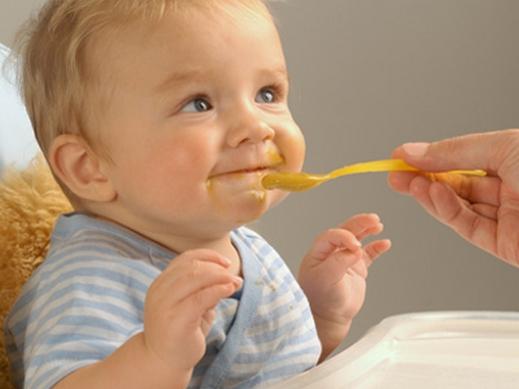 الفطام و الاطفال- السن المناسب للفطام- كيف تفطمين طفلك