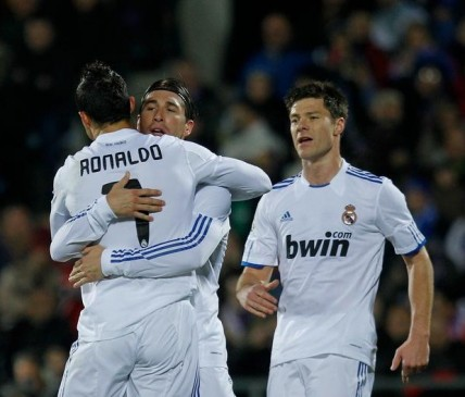 الدوري الاسباني 2012 - كريستيانو وألونسو وراموس في حالة تأهب بسبب البطاقات الصفراء الأربعة