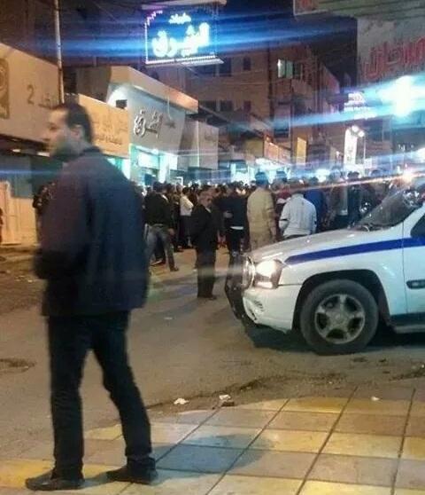 بالصور استخدام غاز مسيل للدموع للتفريق بين مواطنين إحتجوا على مخالفة سير في اريد اليوم نوفمبر 2014