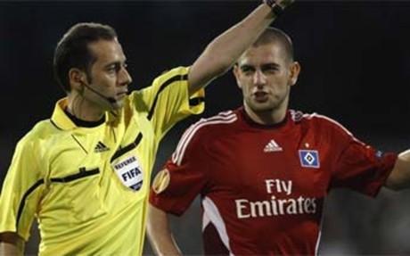 حكم مباراة برشلونة VS تشيلسي 24/4/2012