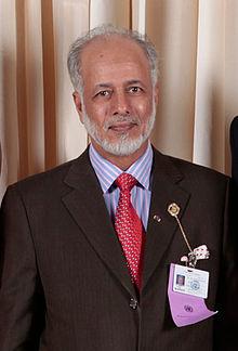 شاهد فيديو تصريحات يوسف بن علوى وزير خارجية عمان يؤيد الحوثي