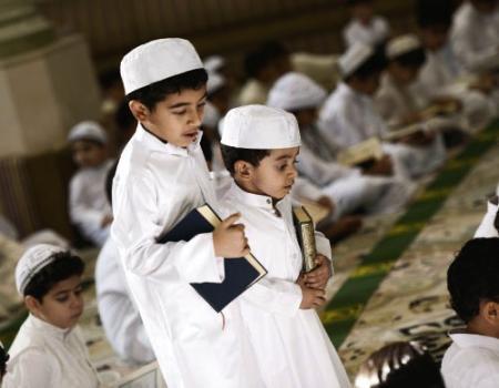 مسؤولية الأخ نحو اخوته الصغار