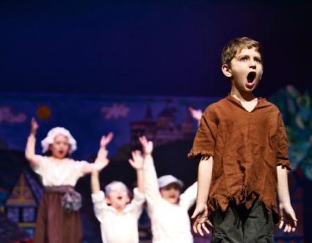 المسرح وسيلة فعالة لعلاج التوحد