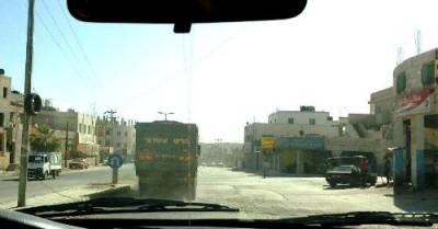 أخبار الزرقاء اليوم الاربعاء , شاحنة إسرائيلية تتجول بشوارع الزرقاء وتثير إستياء المواطنين