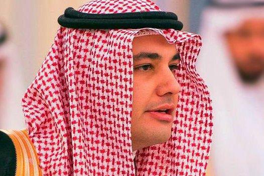 وزير الثقافة والإعلام في السعودية يوجه بإيقاف قناتي الميادين و المنار