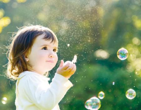 نصائح لحماية طفلك الرضيع من الموجة الحارة