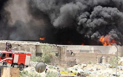 أخبار الزرقاء اليوم الثلاثاء 8-4-2014 بالصور حريق في مستودع كرتون بالمنطقة الحرة في الزرقاء