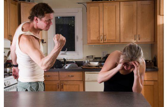 معالجة العنف بين الازواج - كيفية معالجة العنف بين الازواج