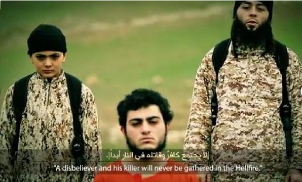 فديو وصور طفل داعش يعدم فلسطيني في سوريا بتهمة التجسس لصالح إسرائيل