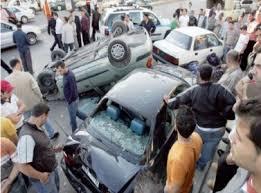 بالصور اصابة 3 أشخاص بجروح ورضوض بتصادم 6 مركبات في السلط