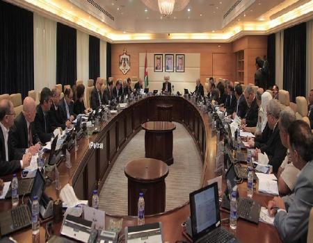 رئيس الوزراء الدكتور عبدالله النسور يترأس اجتماعا تنفيذ المشاريع الممولة من المنحة الخليجية