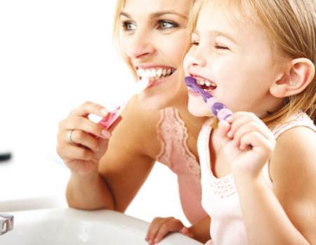 ضرورة تنظيف الاسنان في الظلام اعرف السبب