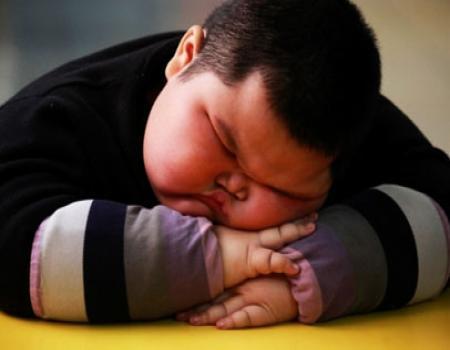 فرصة اصابة الاطفال البدناء أمراض القلب اكثر من الاطفال الضعيفة