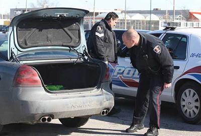 الشرطة الأمريكية توقف البحث عن سعوديين بسيارتهم جثة رضيع