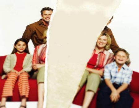 ممارسات تضعف نسيج الأسرة