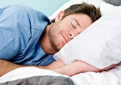 العدد المناسب للساعات التي يحتاجها الانسان في نومه