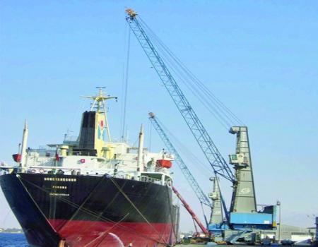 الملقي الحاويات ميناء إقليمي يزوّد السوق 750 حاوية يوميا