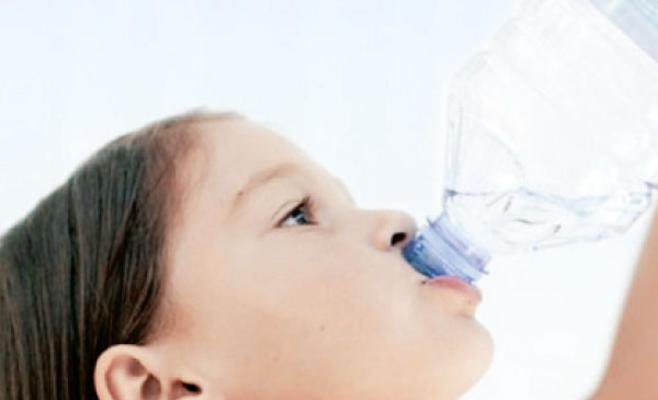 تناول المشروبات الغنية بالكافيين يزيد من بالجفاف