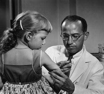 معلومات عن يوناس سولك مخترع اللقاح الذي قضى على شلل الأطفال