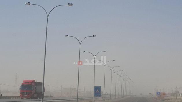صور غبار كثيف على الصحراوي ومناطق في الجنوب الثلاثاء 3-11-2015