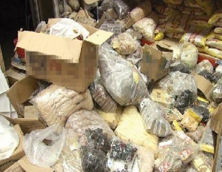 ضبط 7500 كغم من المواد الغذائية الفاسدة بالزرقاء
