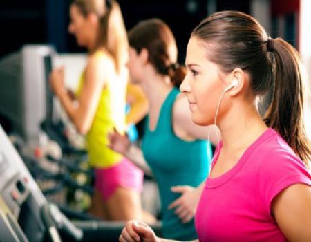 التمرينات خلال المراهقة تعود بالنفع على النساء
