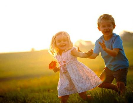 لماذا لا نذكر شيئا عن طفولتنا