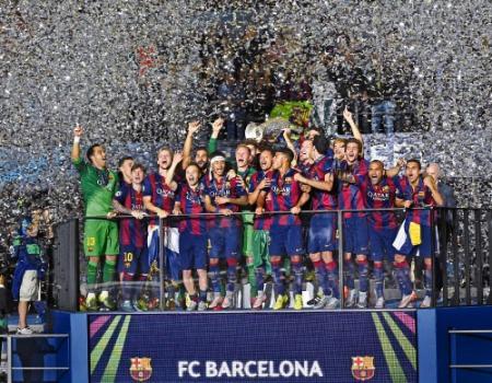 فرحة لاعبي برشلونة بالتتويج بطلا لأوروبا للمرة الخامسة