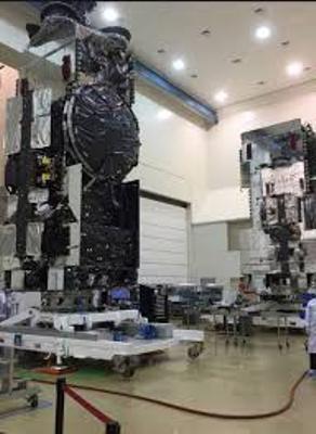 القمر السعودي للاتصالات SGS-1 , صور القمر السعودي فوق هام السحب
