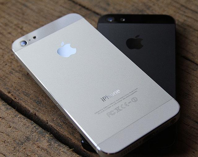 سعر اي فون 5 في شهر يناير iphone 5 2013 , سعر  اي فون 5 في المملكةالاردينة لعام 2013