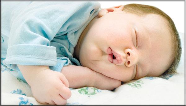 أسباب شخير الطفل أثناء النوم , مخاطر شخير الاطفال , شخير الأطفال أسبابه وعلاجه