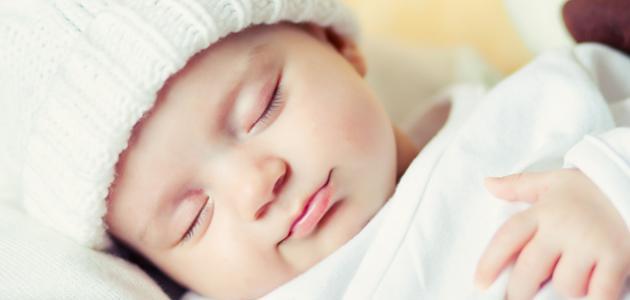طفلي لاينام , سبب عدم انتظام نوم الطفل , كيف أجعل طفلي ينام